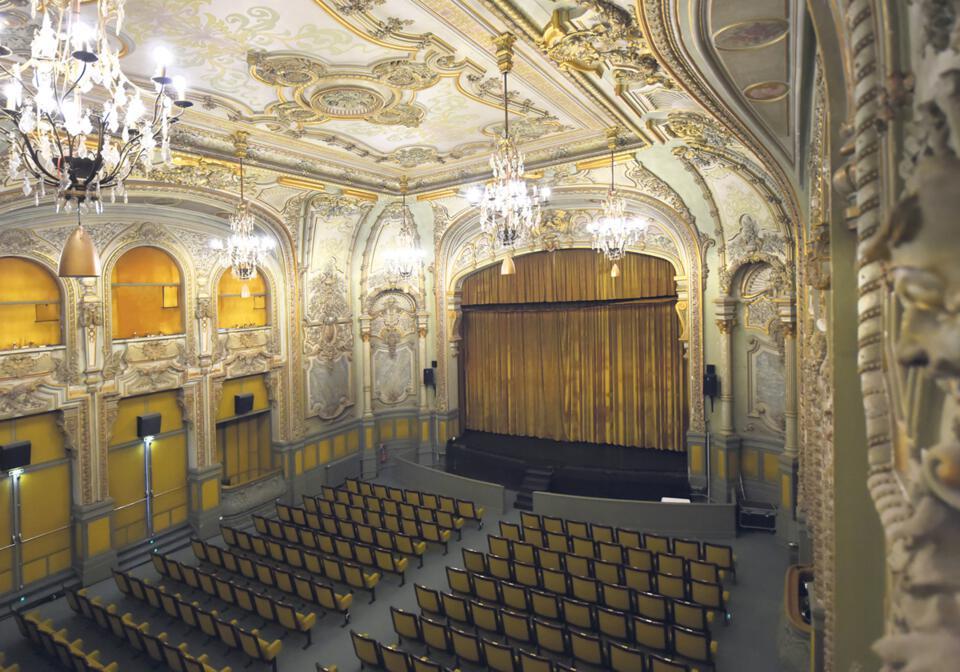 Salle de théâtre cinéma
